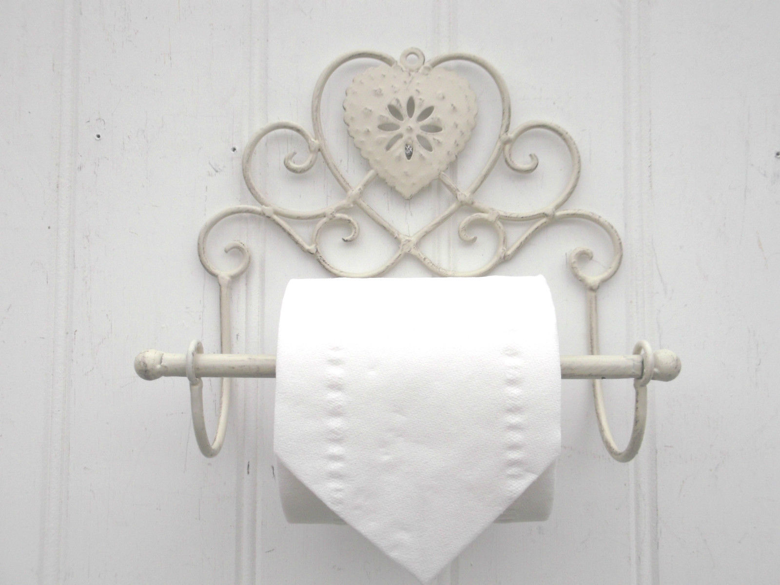 Shabby chic heart french vintage cream wall mounted toilet for Commode style shabby chic